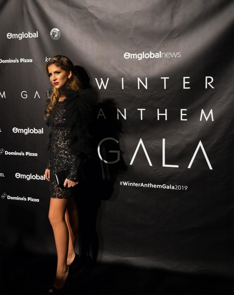La influencer Mar Torres (@martorress) no se quiso perder la Winter Anthem Gala 2019 vestida de @carlaruizcostura