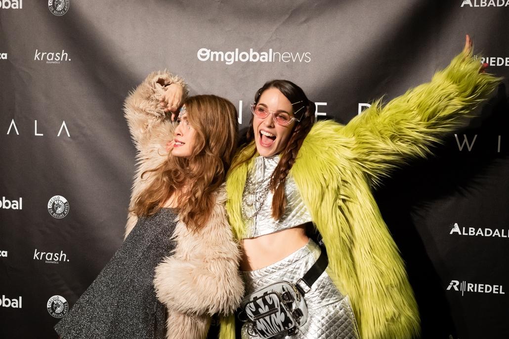 Gakian (@_gakian) y Amarna Miller (@amarnamiller) montaron su propia fiesta en el photocall