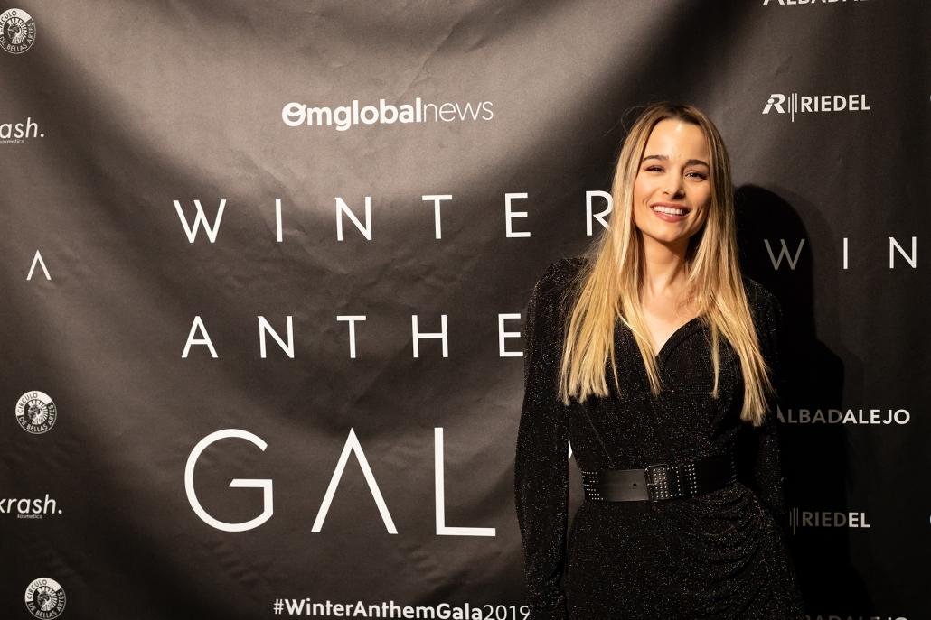 La periodista y presentadora de la primera edición de la Winter Anthem Gala, Sylvia Salas (@sylviasalas_)